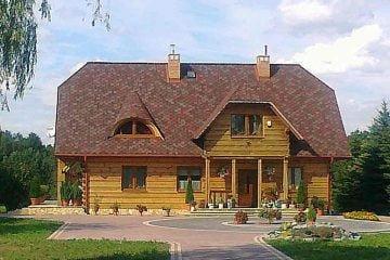 Dom z bali- widok frontu