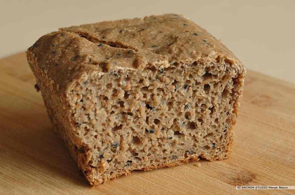 Własny chleb żytni z czarnuszką