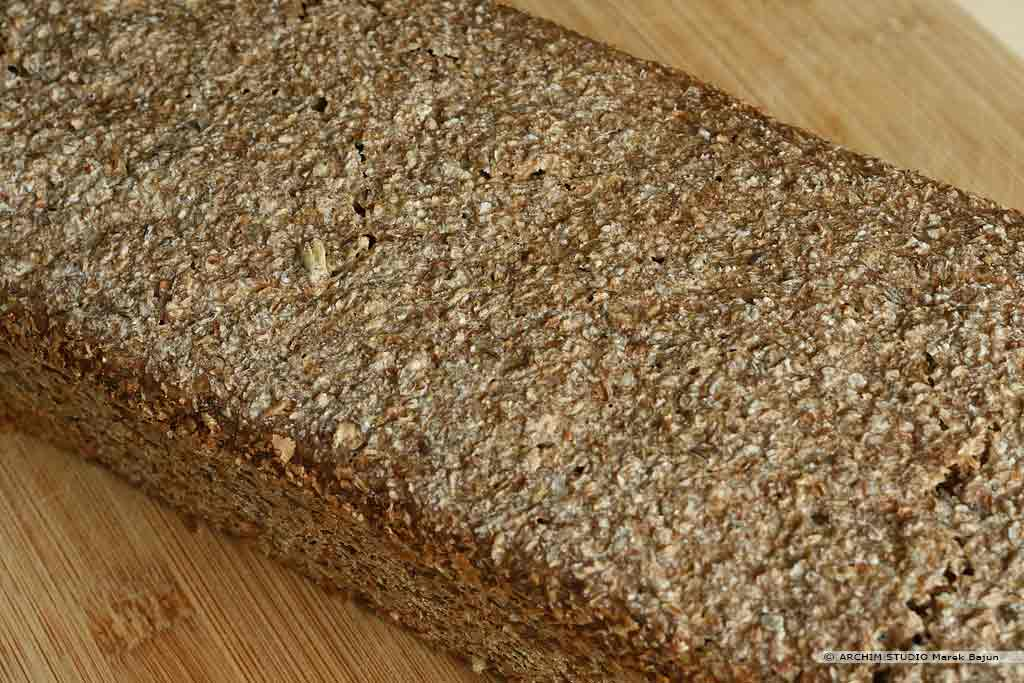 Własny chleb żytni z otrębami i kminkiem