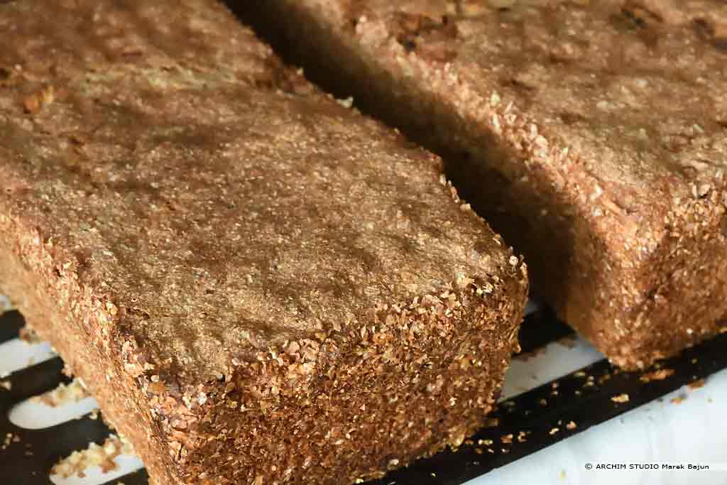 Własny chleb żytni z żurawiną i daktylami